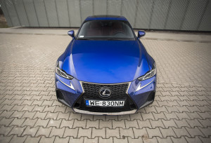 2017-lexus-is300h-f-sport-test-3