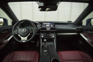 2017-lexus-is300h-f-sport-test-38