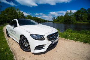 2017-mercedes-e220d-coupe-8
