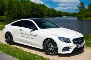 2017-mercedes-e220d-coupe-9