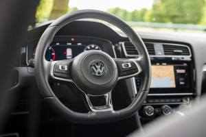 2017-volkswagen-golf-variant-rline-2-0-tdi-12