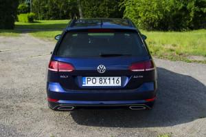 volkswagen-golf-variant-rline-010