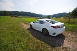Lexus-RC200t-11