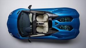 2018-lamborghini-aventador-s-roadster-2