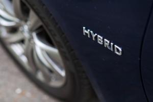 2015-infiniti-q70-hybrid-premium-tech-test-11