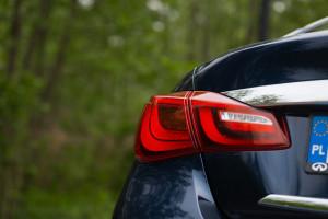2015-infiniti-q70-hybrid-premium-tech-test-14