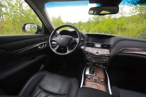2015-infiniti-q70-hybrid-premium-tech-test-17