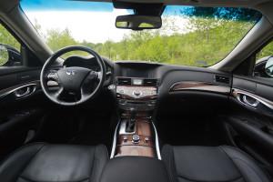 2015-infiniti-q70-hybrid-premium-tech-test-18