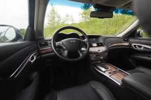 2015-infiniti-q70-hybrid-premium-tech-test-19