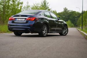 2015-infiniti-q70-hybrid-premium-tech-test-2