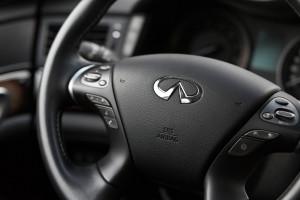 2015-infiniti-q70-hybrid-premium-tech-test-23