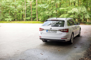 2016-skoda-superb-2-0-tsi-combi-test-14