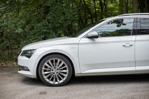2016-skoda-superb-2-0-tsi-combi-test-23