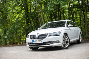 2016-skoda-superb-2-0-tsi-combi-test-5