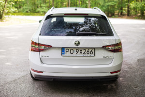 2016-skoda-superb-2-0-tsi-combi-test-8