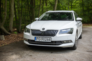 2016-skoda-superb-2-0-tsi-combi-test-9