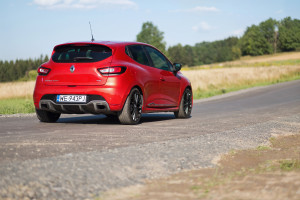 2017-renault-clio-rs-220-trophy-test-4