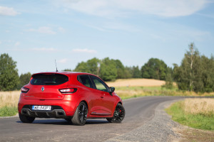 2017-renault-clio-rs-220-trophy-test-6