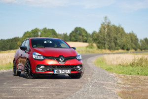 2017-renault-clio-rs-220-trophy-test-7