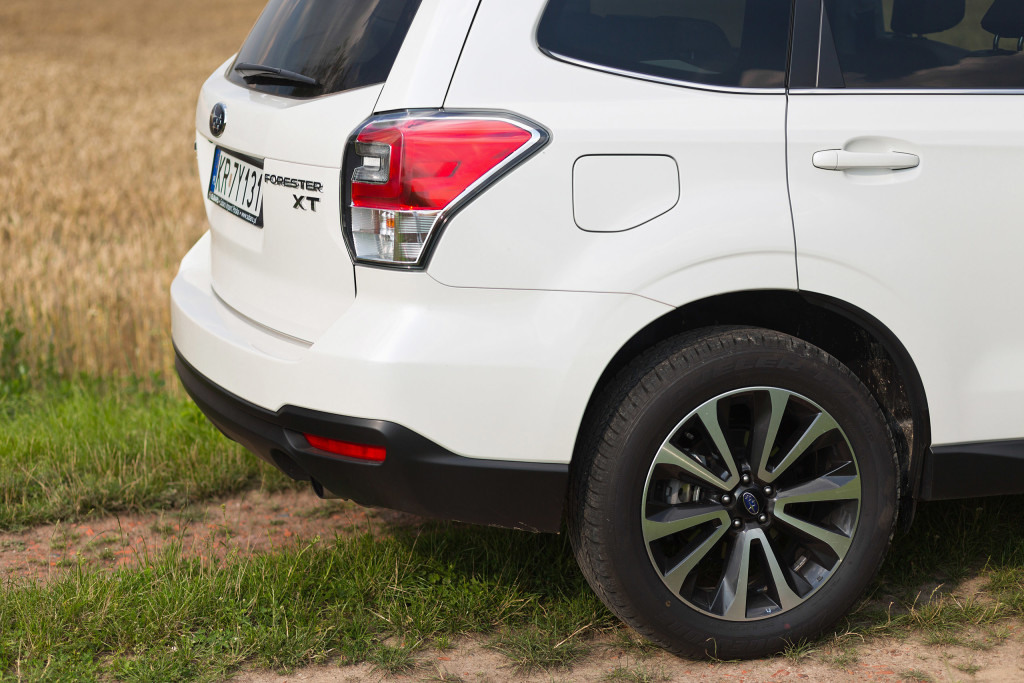 2017-subaru-forester-xt-test-21