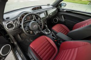 2017-volkswagen-new-beetle-2-0-tsi-r-line-02