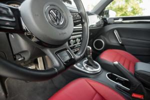 2017-volkswagen-new-beetle-2-0-tsi-r-line-09