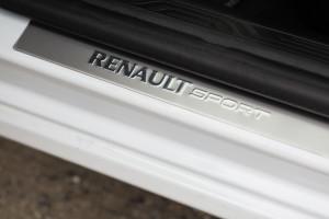 2017-renault-megane-gt-dci-test-43