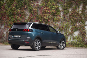 2017-peugeot-5008-16-bluehdi-120km-allure-test-6