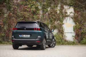 2017-peugeot-5008-16-bluehdi-120km-allure-test-7