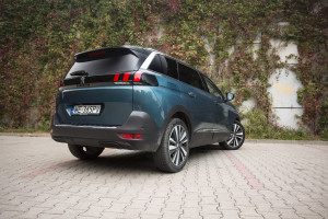 2017-peugeot-5008-16-bluehdi-120km-allure-test-8
