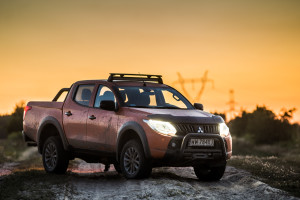 2017-mitsubishi-l200-monster-11