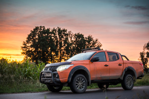2017-mitsubishi-l200-monster-2