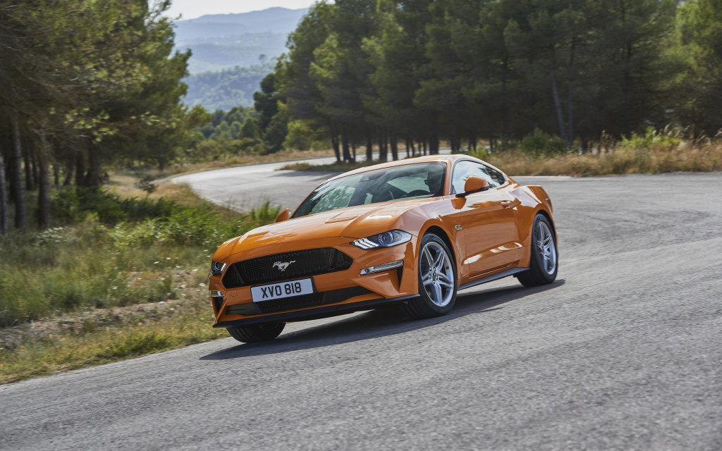 2018-ford-mustang-gt-02