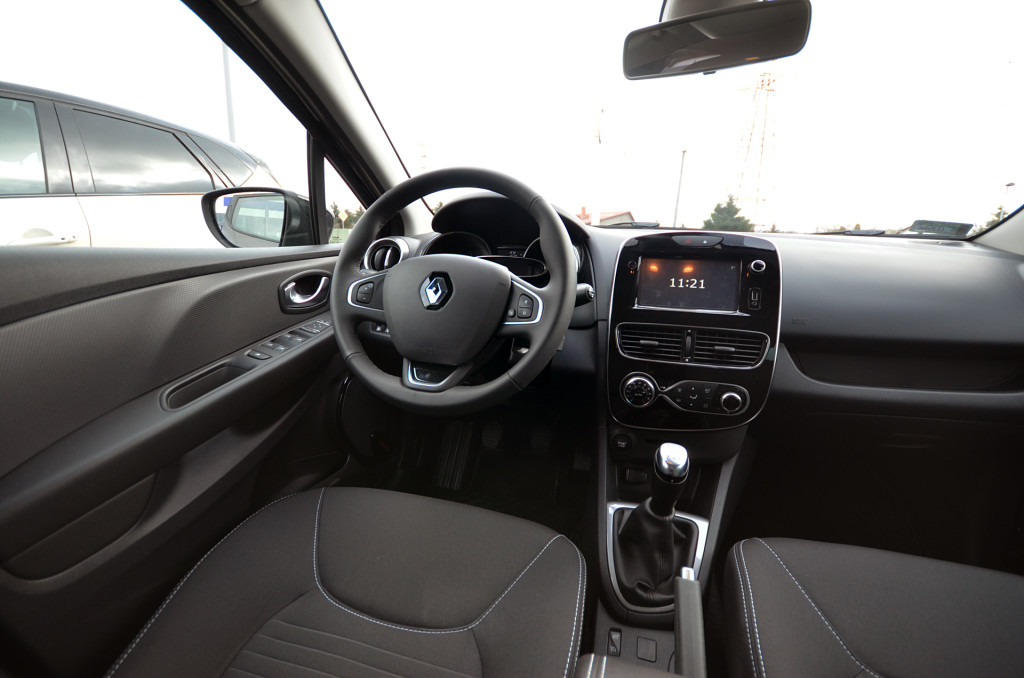 renault-clio-limited-22