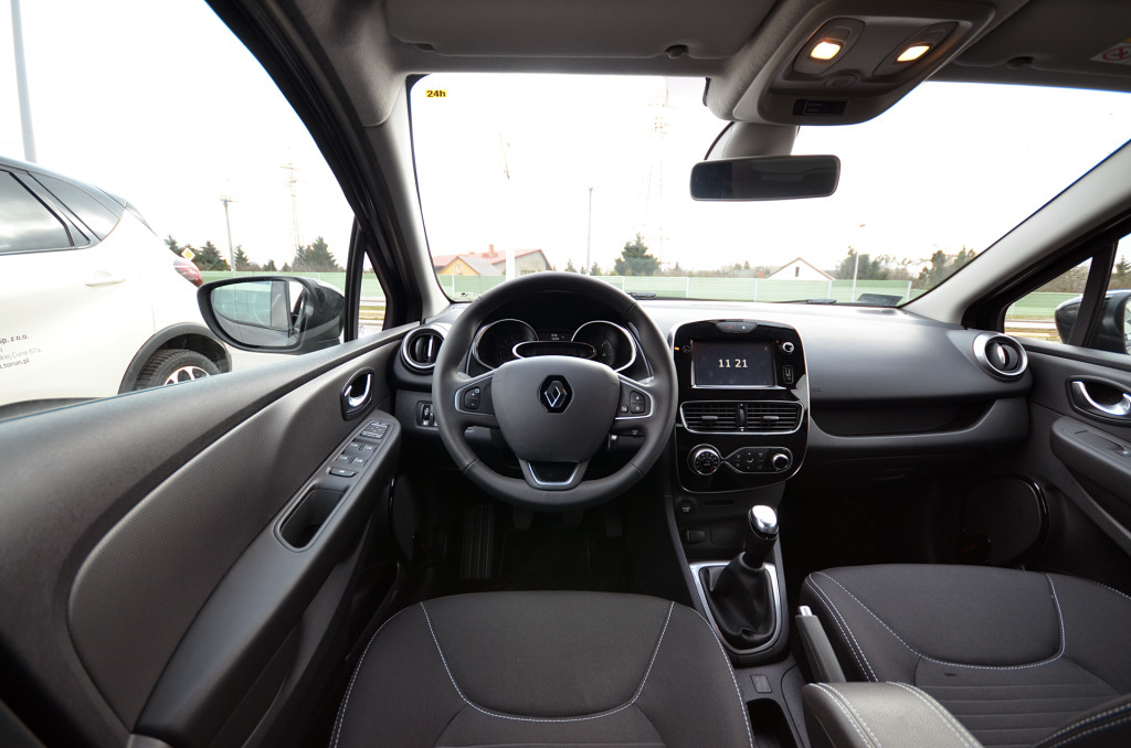 renault-clio-limited-23