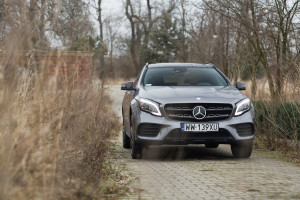 2017-mercedes-benz-gla-220-test-3