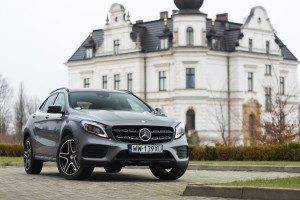 2017-mercedes-benz-gla-220-test-5