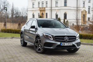 2017-mercedes-benz-gla-220-test-7