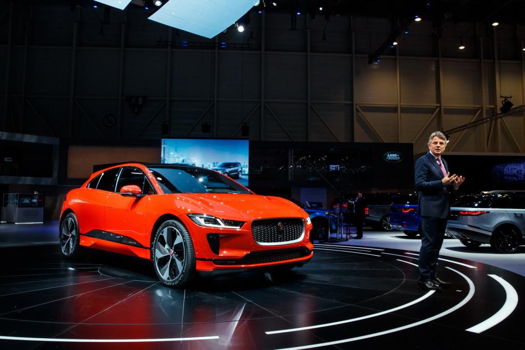 2018-Jaguar-IPace-13