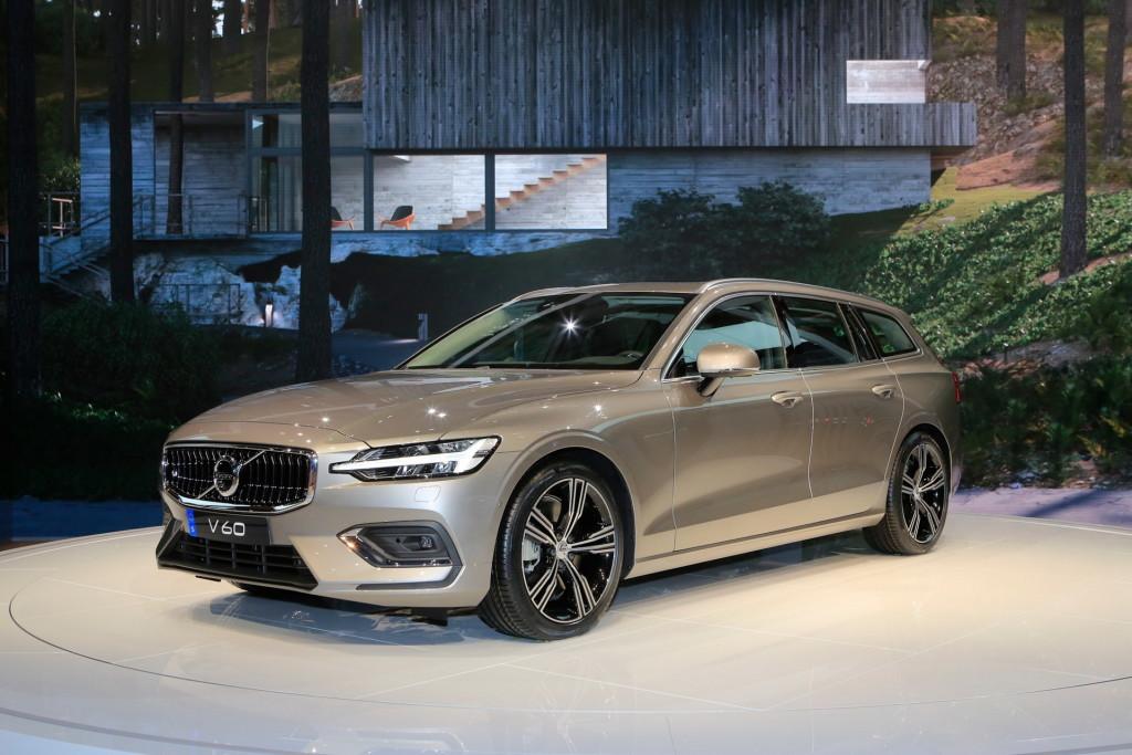 2019-Volvo-V60-22-1