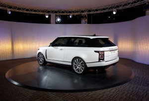 2019-land-rover-range-rover-sv-coupe-5