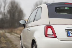 2017-fiat-500c-60th-anniversary-12-8v-test-project-automotive-23