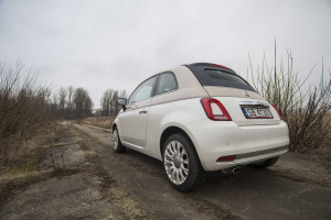 2017-fiat-500c-60th-anniversary-12-8v-test-project-automotive-27