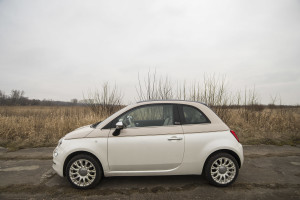 2017-fiat-500c-60th-anniversary-12-8v-test-project-automotive-28