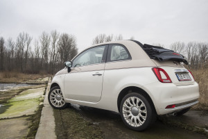 2017-fiat-500c-60th-anniversary-12-8v-test-project-automotive-33