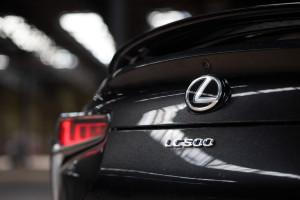 2018-lexus-lc-500-test-24
