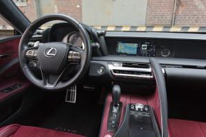 2018-lexus-lc-500-test-28