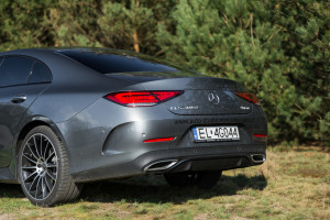 2018-mercedes-benz-cls-400d-test-26