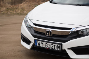 2018-honda-civic-4d-test-13