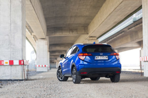 2018-honda-hr-v-test-6